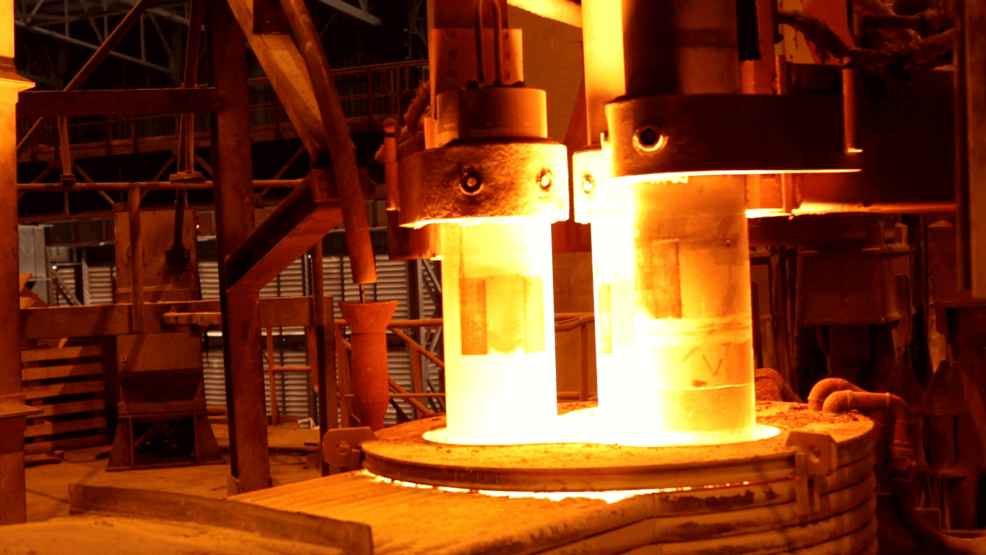 Ladle Refining Furnace ( LRF )